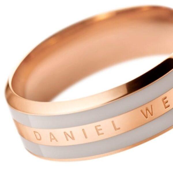 DANIEL-WELLINGTON-DESERT-SAND-2