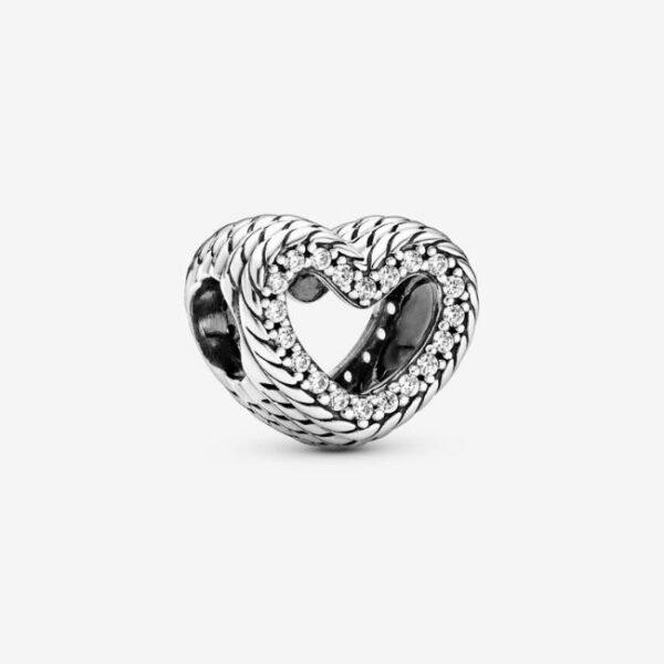 Pandora-Charm-a-cuore-aperto-con-maglia-snake-1