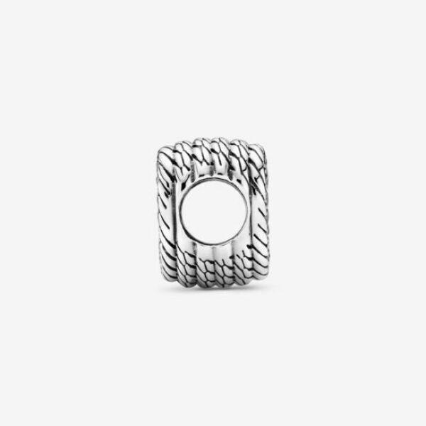 Pandora-Charm-a-cuore-aperto-con-maglia-snake-3
