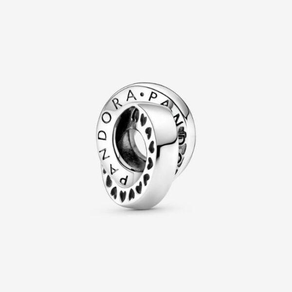 Pandora-Charm-distanziatore-con-logo-e-fasce-con-cuori-1