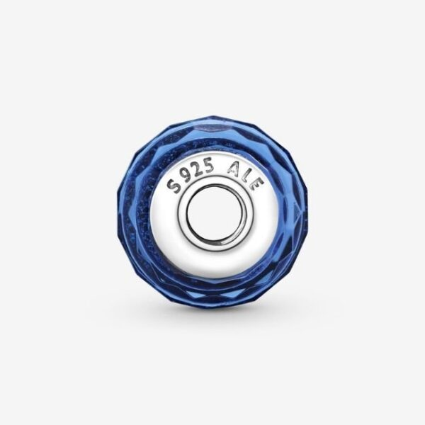 Pandora-Charm-in-vetro-di-Murano-blu-sfaccettato-3